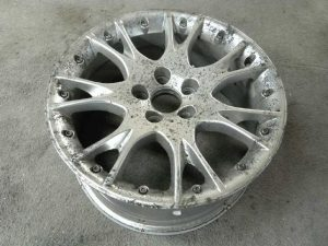 VOLVO GENUINE WHEEL RESTORER pict-4-1.before