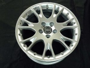 VOLVO GENUINE WHEEL RESTORER pict-4-2.after