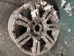BMW純正18インチ pict-2-剥離・洗浄