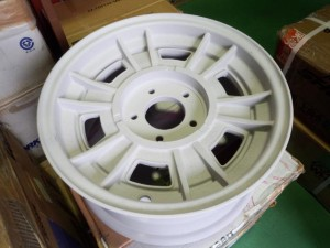 FIATクロモドラレストア pict-4-陽極酸化処理(アルマイト)01