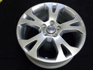 VOLVO GENUINE WHEEL RESTORER pict-4-after(上塗仕上塗装)