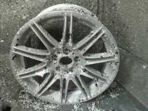 BMW GENUINE WHEEL REMAKE pict-2-剥離・洗浄