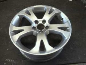 VOLVO GENUINE WHEEL RESTORER pict-1-before